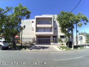 Departamento En Arriendoen Santiago, La Cisterna, Chile, CL RAH: 19-115