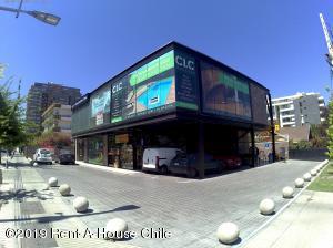 Local Comercial En Arriendoen Santiago, Vitacura, Chile, CL RAH: 19-116