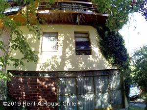 Casa En Arriendoen Santiago, Vitacura, Chile, CL RAH: 20-1