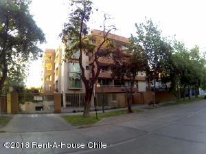 Departamento En Arriendoen Santiago, Nuñoa, Chile, CL RAH: 20-17