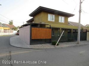 Casa En Ventaen Santiago, Quilucura, Chile, CL RAH: 20-25