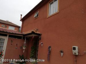 Casa En Ventaen Santiago, Peñalolen, Chile, CL RAH: 20-31