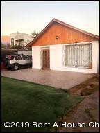 Casa En Ventaen Santiago, Macul, Chile, CL RAH: 20-33