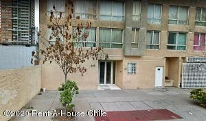 Departamento En Ventaen Santiago, Santiago Centro, Chile, CL RAH: 20-40