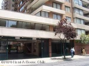 Departamento En Arriendoen Santiago, Santiago Centro, Chile, CL RAH: 20-42