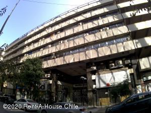 Edificio En Ventaen Santiago, Santiago Centro, Chile, CL RAH: 20-44