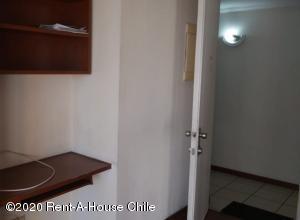 Departamento En Arriendoen Santiago, Santiago Centro, Chile, CL RAH: 20-48