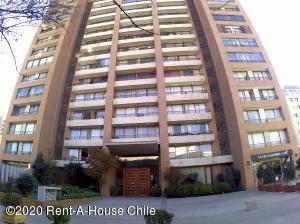 Departamento En Arriendoen Santiago, Providencia, Chile, CL RAH: 20-58