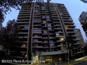 Departamento En Arriendoen Santiago, Las Condes, Chile, CL RAH: 20-60