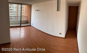 Departamento En Arriendoen Santiago, Santiago Centro, Chile, CL RAH: 20-62