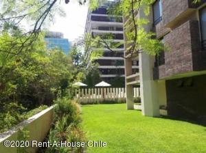 Departamento En Arriendoen Santiago, Las Condes, Chile, CL RAH: 20-67
