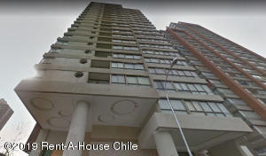 Departamento En Arriendoen Santiago, Santiago Centro, Chile, CL RAH: 20-70