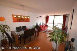 Departamento En Arriendoen Santiago, Las Condes, Chile, CL RAH: 20-74