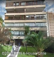 Departamento En Ventaen Santiago, Las Condes, Chile, CL RAH: 20-76