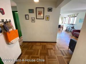 Departamento En Ventaen Santiago, Providencia, Chile, CL RAH: 21-7