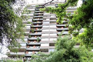 Departamento En Ventaen Santiago, Las Condes, Chile, CL RAH: 21-9