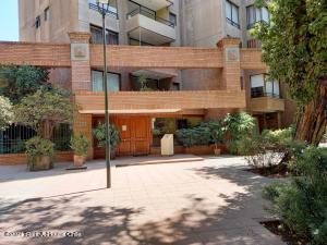 Departamento En Arriendoen Santiago, Providencia, Chile, CL RAH: 21-32