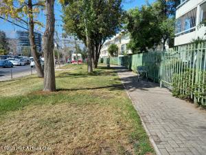 Departamento En Arriendoen Santiago, Las Condes, Chile, CL RAH: 21-43