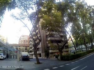 Departamento En Arriendoen Santiago, Las Condes, Chile, CL RAH: 21-57