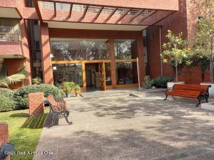 Departamento En Arriendoen Santiago, Providencia, Chile, CL RAH: 22-1