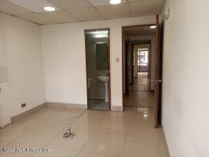Oficina En Arriendoen Santiago, Providencia, Chile, CL RAH: 22-11