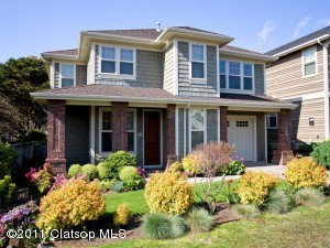 140 W Chisana St, Cannon Beach, OR 97110