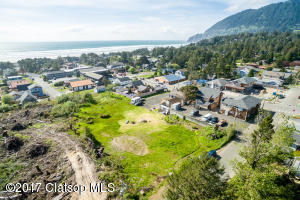 220 Laneda Ave, Manzanita, OR 97130