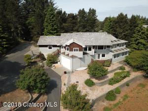 1360 SW Pine Dr, Warrenton, OR 97103