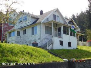 822 35th St, Astoria, OR 97103