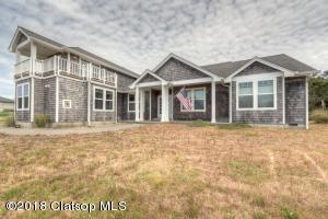 89883 Ocean Dr, Warrenton, OR 97146