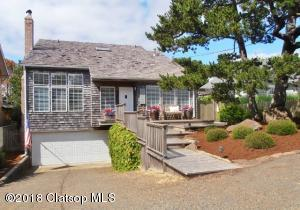 456 D St, Gearhart, OR 97138