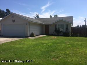636 NW 9th St, Warrenton, OR 97103