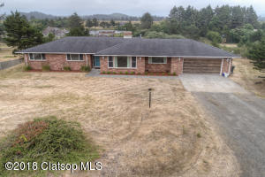 90009 Manion Dr, Warrenton, OR 97146