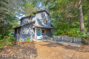 695 N Third St, Manzanita, OR 97130