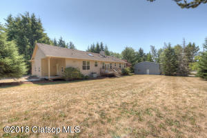 35111 Helligso Ln, Astoria, OR 97103