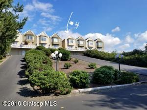 1579 Whispering Pines Dr, #4, Seaside, OR 97138