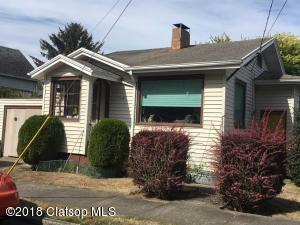 136 Commercial St, Astoria, OR 97103