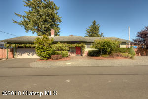 824 25th Ave, Seaside, OR 97138