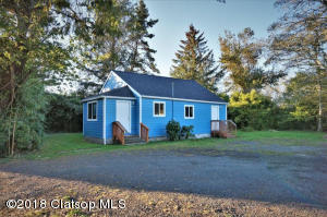 989 E Harbor Dr, Warrenton, OR 97146