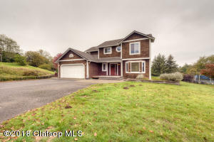 705 SW Juniper Ave, Warrenton, OR 97146