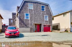 377 S Pacific St, Rockaway Beach, OR 97136