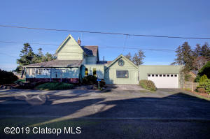 602 8th St, Gearhart, OR 97138
