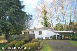 1215 2nd St, Astoria, OR 97103