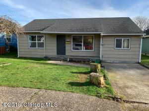1564 5th St, Astoria, OR 97103
