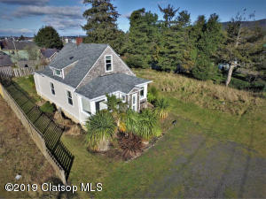 736 Ave Q, Seaside, OR 97138