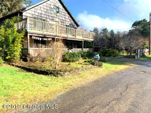 8240 S Minnehaha St, Rockaway Beach, OR 97136