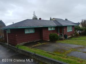 1850 7th St, Astoria, OR 97103