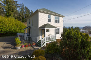 1704 7th St, Astoria, OR 97103