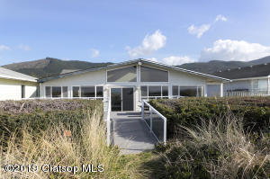 26550 Beach Dr, Rockaway Beach, OR 97136