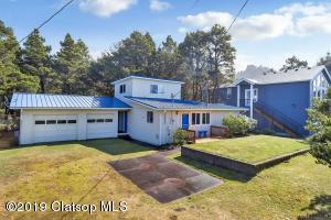 25905 Nedonna Ave, Rockaway Beach, OR 97136